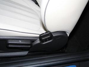 2017款3-DOOR COOPER 加勒比蓝限量版 座椅调节