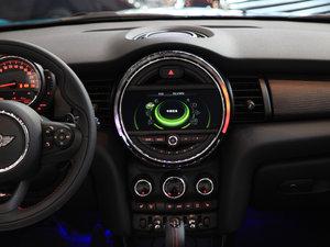 2017款3-DOOR COOPER 加勒比蓝限量版 中控台