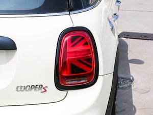 2018款五门版 2.0T COOPER S 赛车手 尾灯
