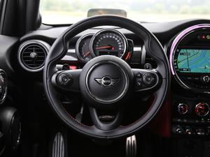 2018款五门版 2.0T COOPER S 赛车手 方向盘
