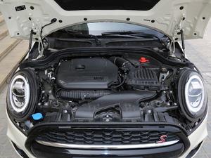 2018款五门版 2.0T COOPER S 赛车手 发动机