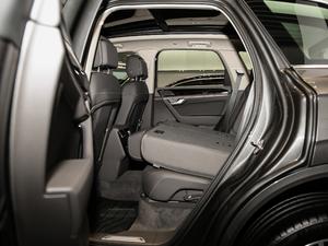 2019款3.0 TSI 锐锋版 后排座椅放倒