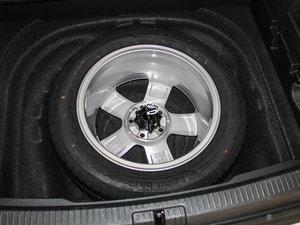 2014款1.4 TSI 豪华型 备胎