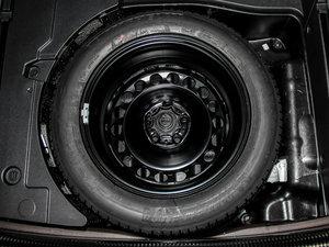 2014款四驱版 备胎