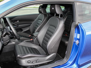 2015款2.0 TSI 前排座椅