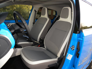 2015款电动车 前排座椅