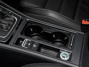 2016款2.0TSI 驻车制动器