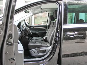 2017款380TSI 舒享型 6座 前排空间