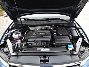 2018款380TSI 两驱畅行版 发动机