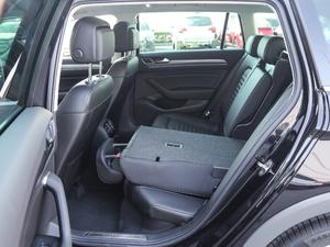 2018款380TSI 四驱纵行版 后排座椅放倒