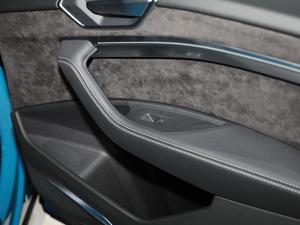 2019款e-tron 55 quattro时尚型 空间座椅