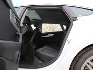 2019款Sportback 45 TFSI quattro 运动型 后排空间