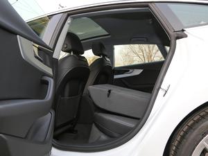 2019款Sportback 45 TFSI quattro 运动型 后排座椅放倒