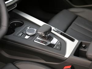 2019款Sportback 45 TFSI quattro 运动型 变速挡杆