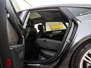 2019款55 TFSI quattro 动感型 后排座椅放倒