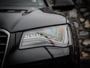 2013款40 hybrid 头灯