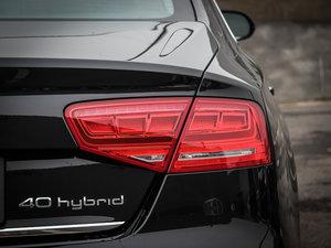 2013款40 hybrid 尾灯