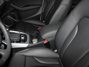 2013款45 TFSI quattro 运动型 前排中央扶手