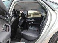空间座椅奥迪S8后排空间