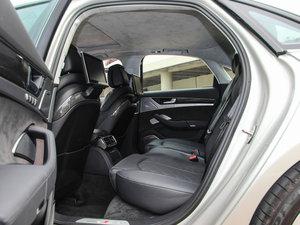 2015款4.0 TFSI quattro 后排空间