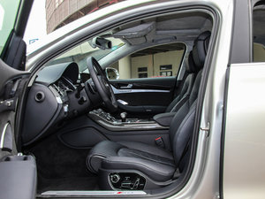 2015款4.0 TFSI quattro 前排空间