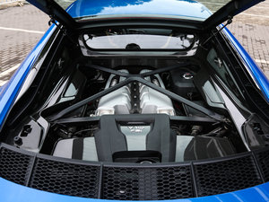 2016款V10 Performance 发动机