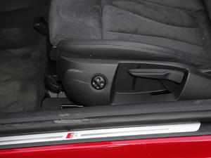 2017款Cabriolet 座椅调节
