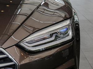2017款Sportback 40 TFSI 时尚型 头灯