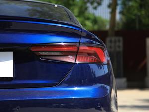 2017款3.0T Sportback 尾灯