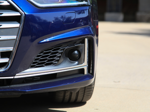 2017款3.0T Sportback 雾灯