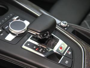 2017款3.0T Sportback 变速挡杆