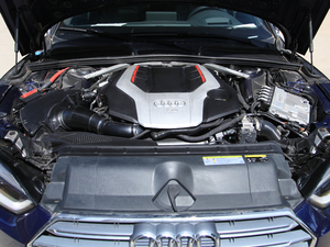 2017款3.0T Sportback 发动机
