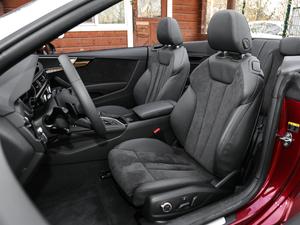 2017款Cabriolet 40 TFSI 时尚型 前排座椅