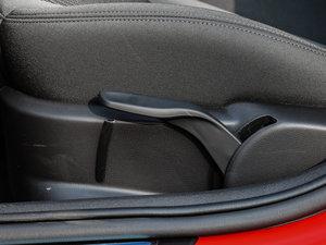 2017款30 TFSI 风尚版 座椅调节