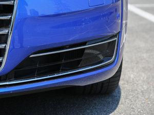 2017款50 TFSI quattro 尊贵型 雾灯
