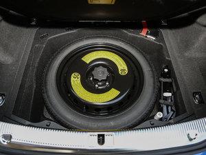 2017款50 TFSI quattro 尊贵型 备胎