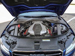 2017款50 TFSI quattro 尊贵型 发动机
