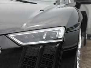 2017款V10 Coupe 头灯