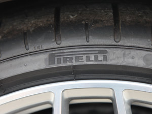 2017款V10 Coupe 轮胎品牌