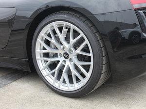 2017款V10 Coupe 轮胎