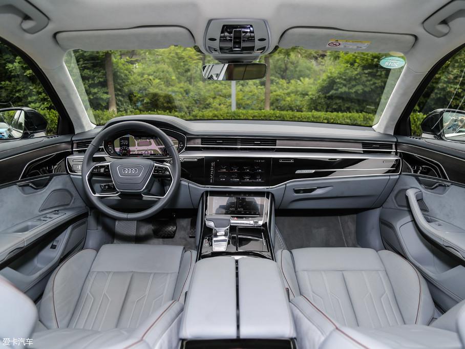 2018款奥迪A8L55TFSI quattro 尊贵型