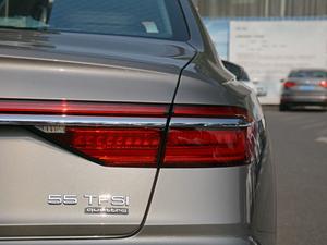 2018款55TFSI quattro 豪华型 尾灯