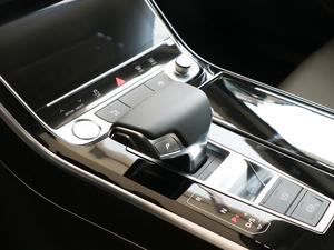 2018款55TFSI quattro 精英投放版 变速挡杆