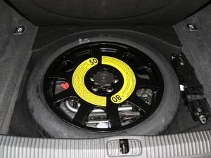 2018款55TFSI quattro 精英投放版 备胎