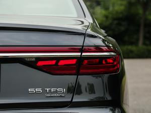 2018款55TFSI quattro 尊贵型 尾灯