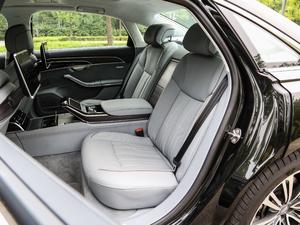 2018款55TFSI quattro 尊贵型 后排座椅
