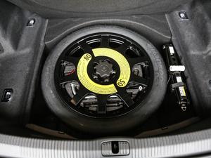 2018款55TFSI quattro 豪华型 备胎