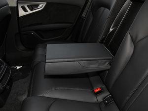 2018款40 TFSI quattro 技术型 后排中央扶手