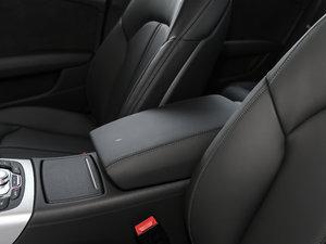 2018款40 TFSI quattro 技术型 前排中央扶手