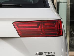 2018款45TFSI S line运动型 尾灯